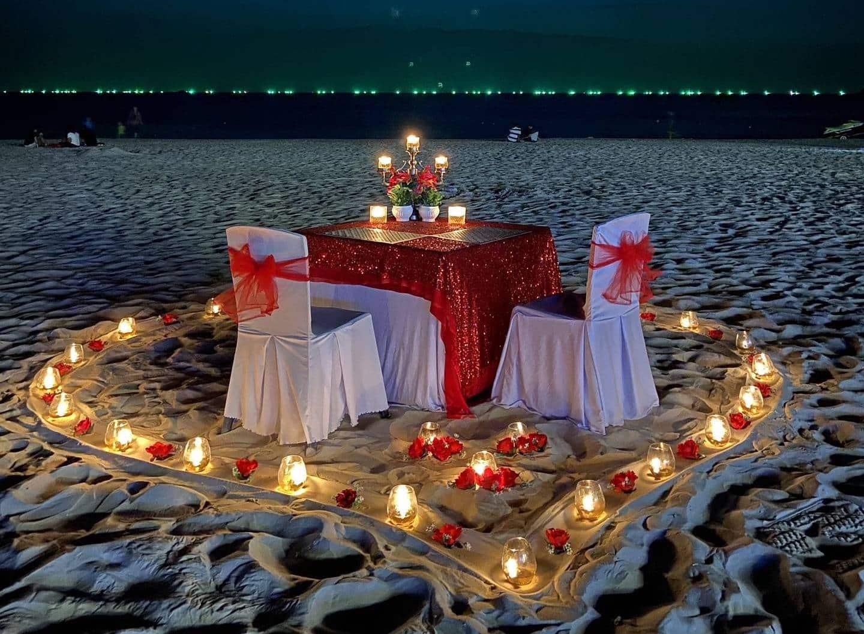 Dîner aux chandelles, en amoureux et au bord de l'eau